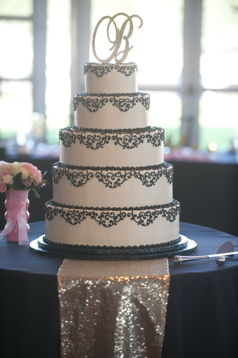 Beautiful Black & White Wedding Cake